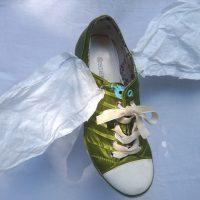 Eisvogel, 2016, Schuh und Papier, Draht